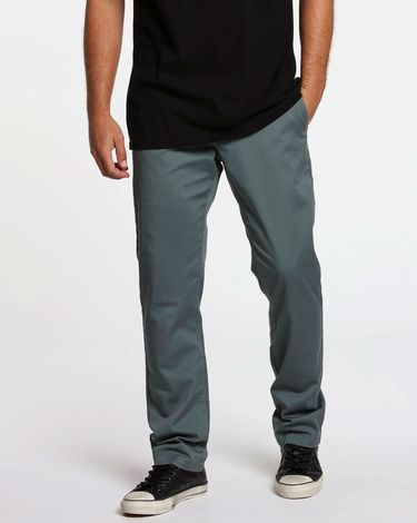 04.35.0372_Calca-Volcom-Frickin-Modern-Stretch-Chino-Fir-Green