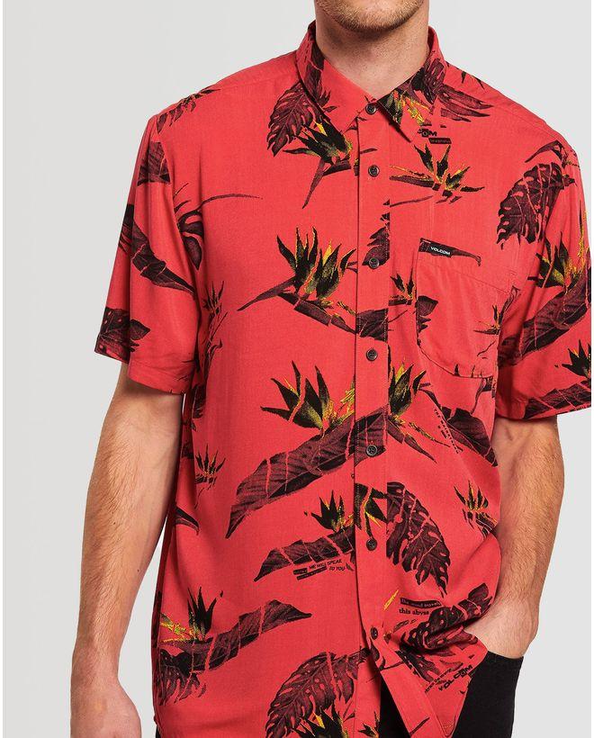 03.28.0303_Camisa-Volcom-Manga-Curtar-Regular-Floral-Erupter-Vermelho