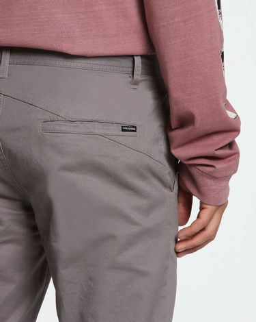 04.35.0371_Calca-Volcom-Frickin-Slim-Chino-Pewter--2-
