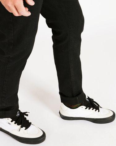 04.33.0606_Calca-Jeans-Volcom-Regular-Black-2x4-Denim--2-.jpg